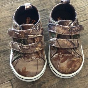 2b74bb3e6077e Realtree Shoes | Bill Jordans Real Tree Toddler Sneakers Size 6 ...